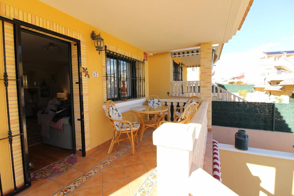 Outside terrace for this detached villa in Villamartin